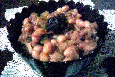 Тушеная фасоль с черносливом